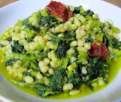 Broccoli di rape, fagioli e peperoni secchi