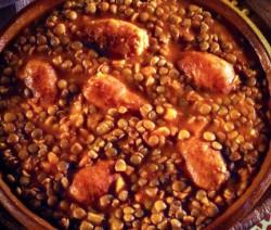 Bollito con lenticchie, salsiccia e verdure