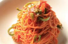 Spaghetti con sugo ai peperoni