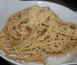 Spaghetti con spaghetti con acciughe